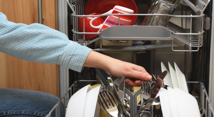 Los consejos para limpiar correctamente los cuchillos de cocina