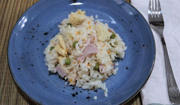 Ya tenemos lista nuestra receta de arroz frito del chino