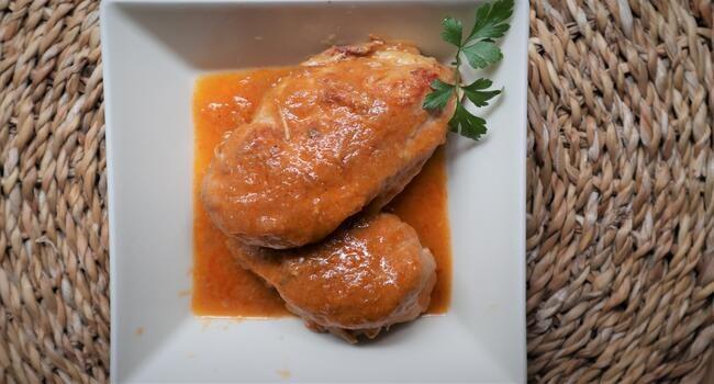 Receta terminada con la Olla GM de pechugas con salsa de verduras