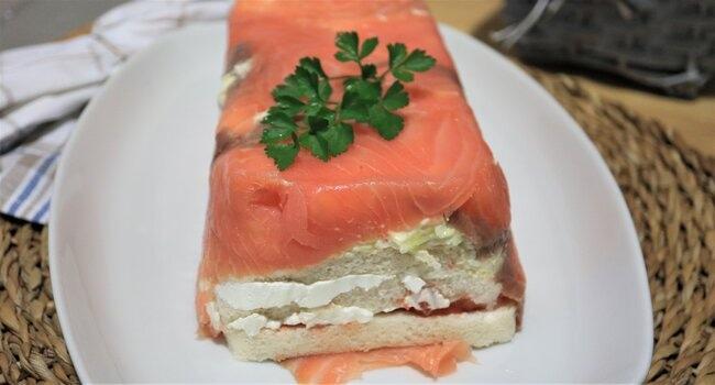 Receta fácil de pastel de salmón con pan de molde