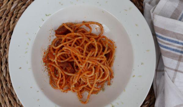 Cómo hacer la receta casera de espaguetis con chorizo