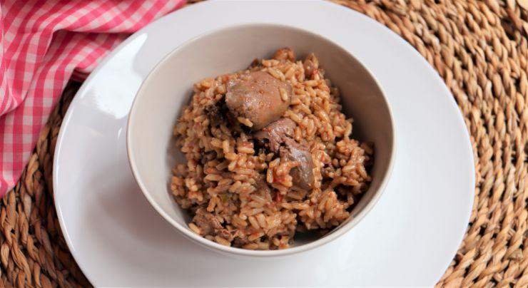 Preparar la receta de higaditos de pollo con arroz